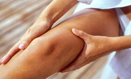Причины, почему тянет ногу под коленом сзади