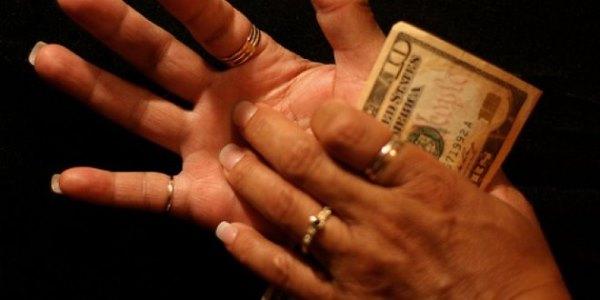 Причины и лечение кожи, если чешутся ладони рук. Возможные заболевания и аллергия