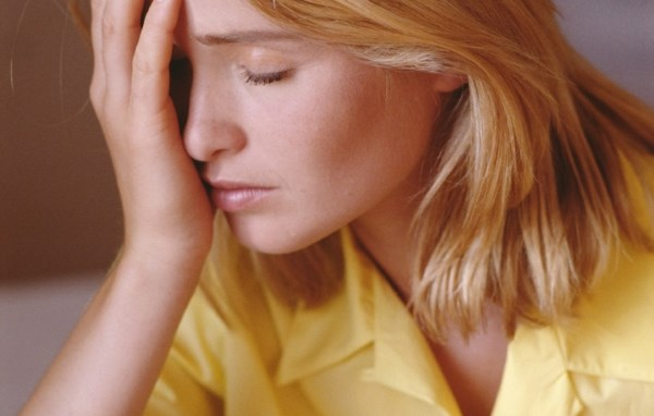 Причины нервного тика правого глаза. Что делать, когда дергается правый глаз
