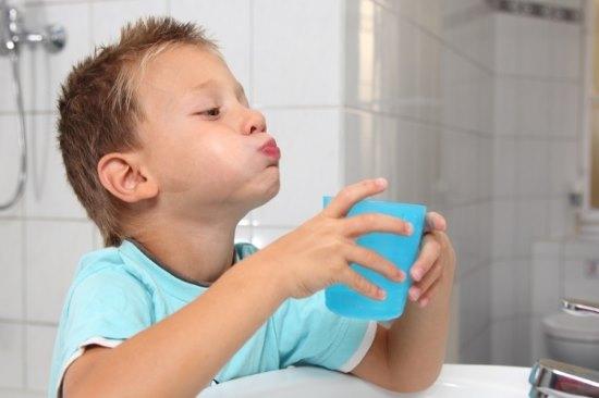 Как полоскать рот хлоргексидином для лечения воспалительных процессов горла