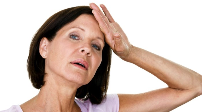 Климаксы у женщин. Что это, как начинается ранний климакс, симптомы, возраст, лечение