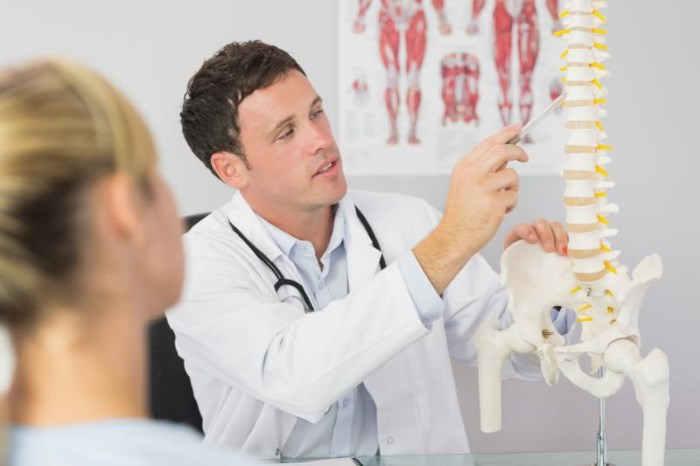 Седалищный нерв. Лечение народными средствами, медикаменты, уколы, упражнения дома