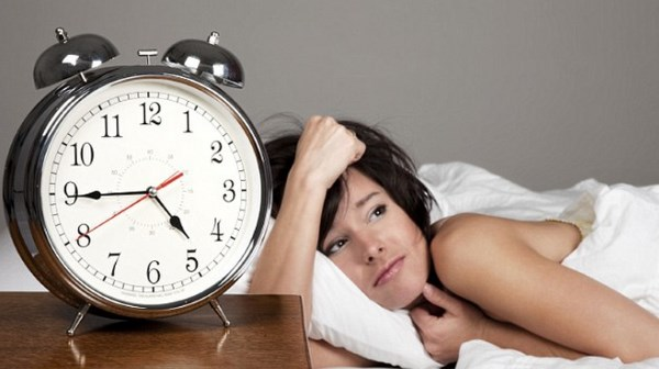 Симптомы, первые признаки язвы желудка на ранней стадии у взрослых женщин и мужчин