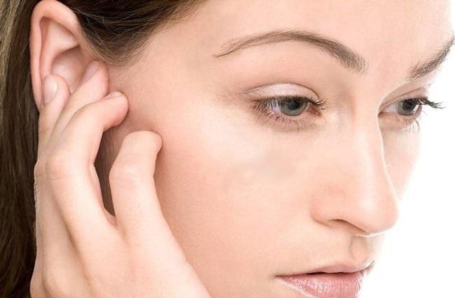 Сухая кожа в ушах, за ушами, зуд. Причины и лечение кожи в домашних условиях у ребенка и взрослого
