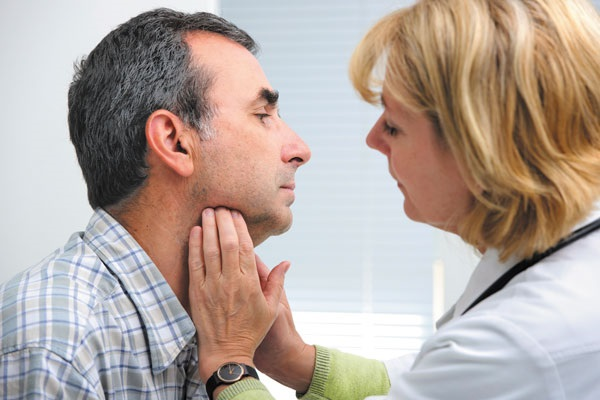 Увеличены лимфоузлы под мышками у женщин. Причины почему, как болят воспаленные лимфоузлы