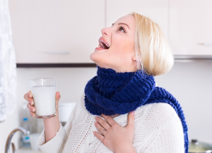 Чем лечить горло в домашних условиях эффективными лекарствами и народными средствами