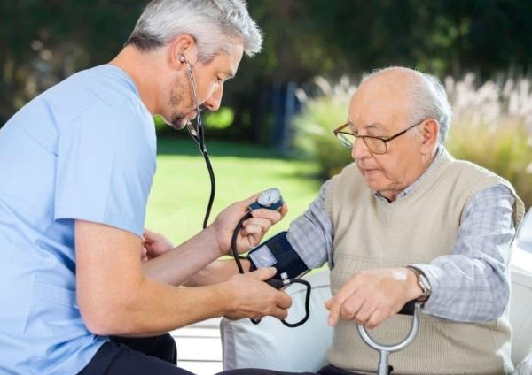 Какое нормальное давление и пульс у человека. Таблица по возрастам у женщин, мужчин, подростков, детей