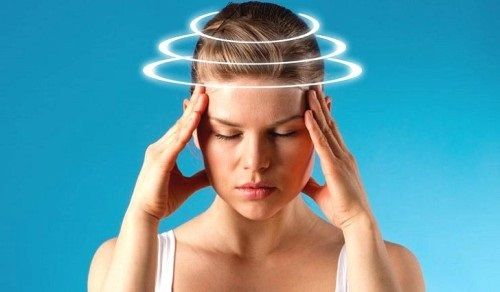 Кружится голова и слабость: причины, варианты лечения