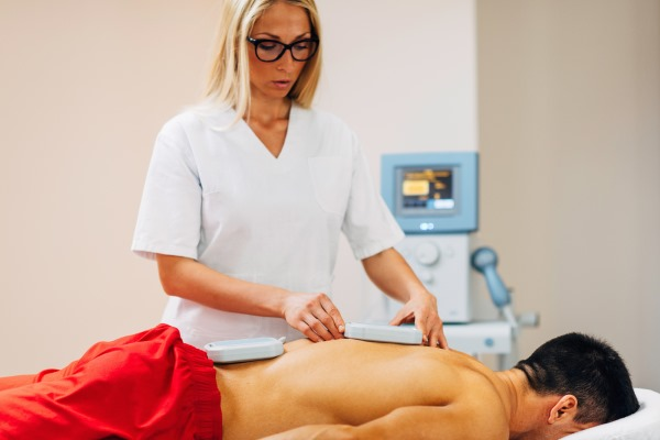 Магнитотерапия. Показания и противопоказания, аппараты. Действие: в гинекологии, для суставов, при переломах, остеохондрозе позвоночника, при беременности
