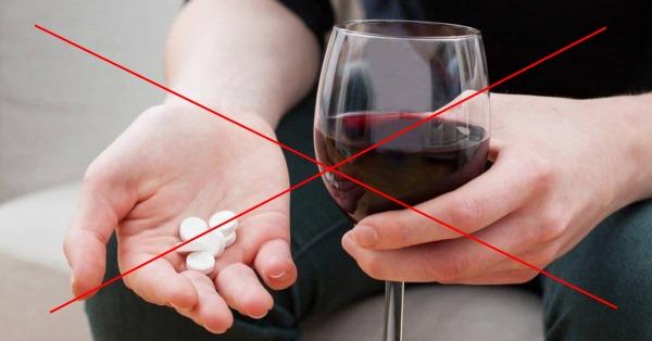 Индометацин. Инструкция по применению препарата в таблетках, свечи, мазь, глазные капли, инъекции. Аналоги