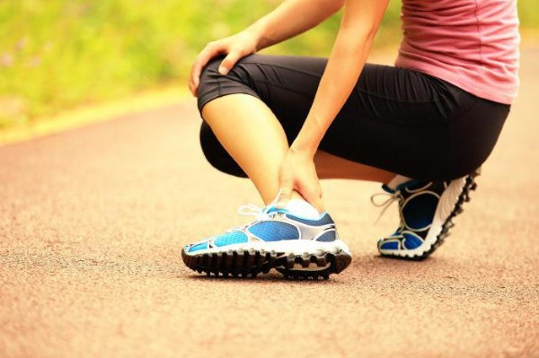 Судороги в ногах. Причины и лечение у пожилых людей, женщин, при беременности, мужчин, ребенка. На какие болезни указывают и что делать