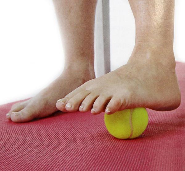 Боль в пятке. Что это может быть и как лечить: при ходьбе, наступании, в покое с внутренней стороны, по утрам или после отдыха, сна. Причины и лечение