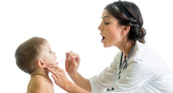 Короткая уздечка языка у новорожденного ребенка: как определить, фото, операция, последствия