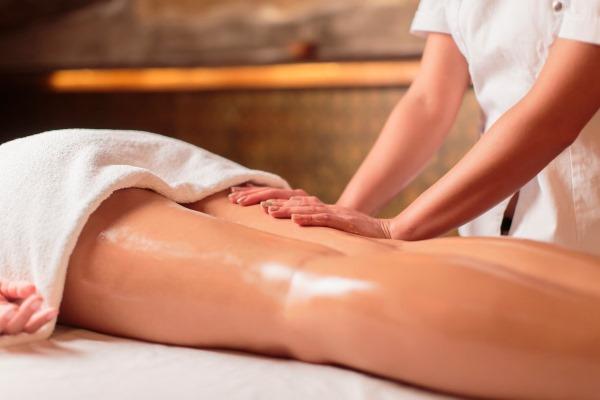 Ишиас. Симптомы, как вылечить седалищный нерв в домашних условиях. Медикаментозное, лечение массаж, упражнения гимнастики, физиотерапия