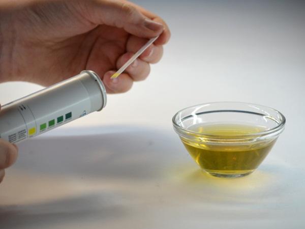 Опрелость в паху у мужчин. Лечение народными средствами, мазями, антибиотиками при простатите, диабете, недержании, геморрое
