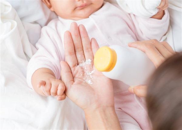 Потничка у новорожденных. Фото, как выглядит, лечение опрелости на лице, шее, ногах, руках, в паху, под мышками