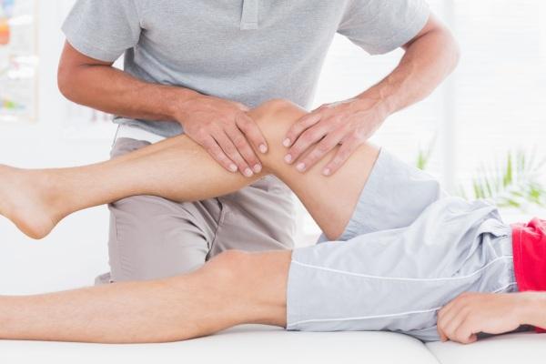 Гонартроз 2 степени коленного сустава. Лечение народными средствами, уколы, гимнастика по Бубновскому. Начальные признаки, группа инвалидности