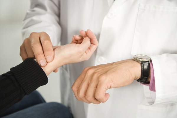Непроходимость кишечника у взрослых. Причины, симптомы и лечение. Народные средствам препараты, операция