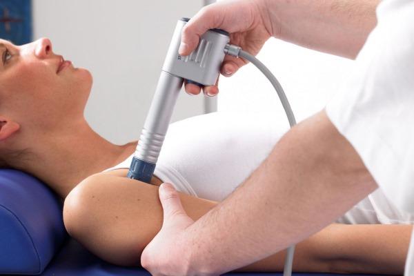 Плечелопаточный периартрит. Симптомы и лечение народными средствами, препараты, массаж. Причины, сроки выздоровления, последствия