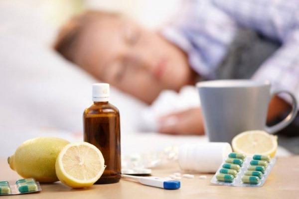 Причины сильного потоотделения (гипергидроза) у женщин по ночам, всего тела, головы, подмышек. Как избавиться, лечение народными средствами, препараты