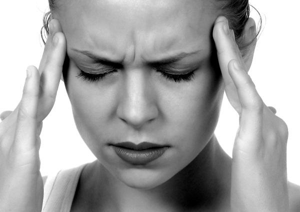 Признаки сотрясения мозга у взрослого человека через несколько минут, часов, дней после удара. Первая помощь, лечение, препараты, последствия