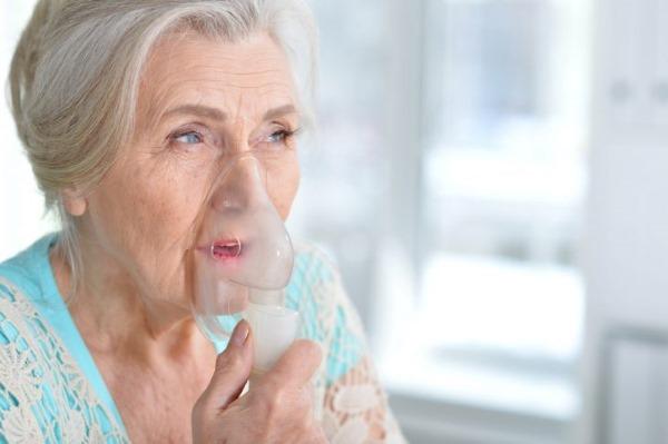 Жидкость в легких. Причины, почему скапливается, как откачивают, лечение и последствия