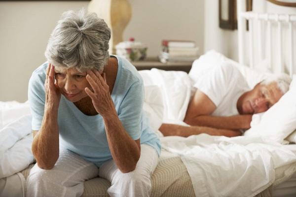 Деменция у пожилых людей. Симптомы, лечение и уход, лекарства, как проявляется
