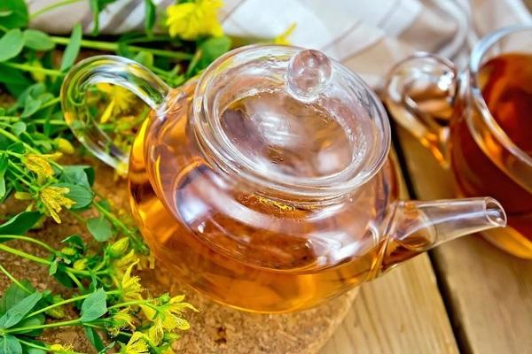 Как действует зеленый чай на давление человека: повышает или понижает? Горячий, крепкий, холодный