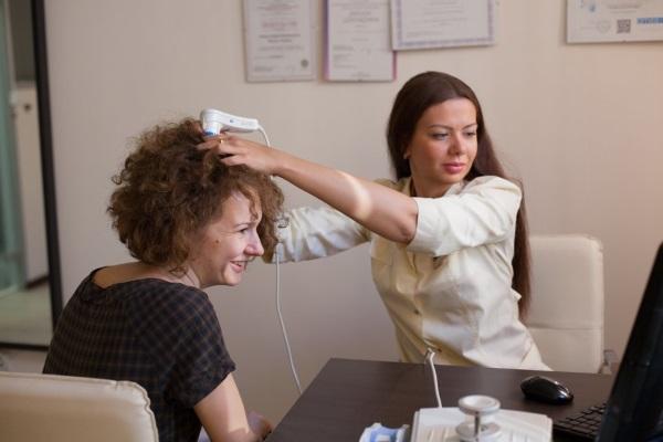 Алопеция у женщин. Причины и лечение. Народные средства, лекарства, процедуры