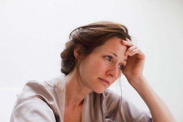 Как повысить прогестерон у женщин естественными способами для зачатия, при беременности, климаксе