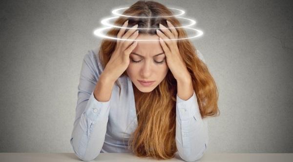 Отеки лица. Причины и лечение у пожилых, по утрам, при гипотиреозе, шейном остеохондрозе