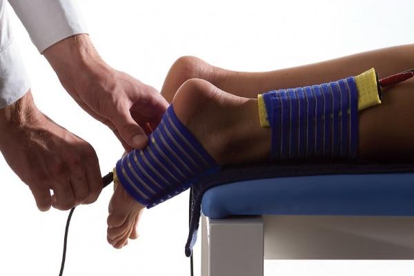 Вальгусная стопа у ребенка. Фото, лечение, массаж, ЛФК, таблетки, процедуры