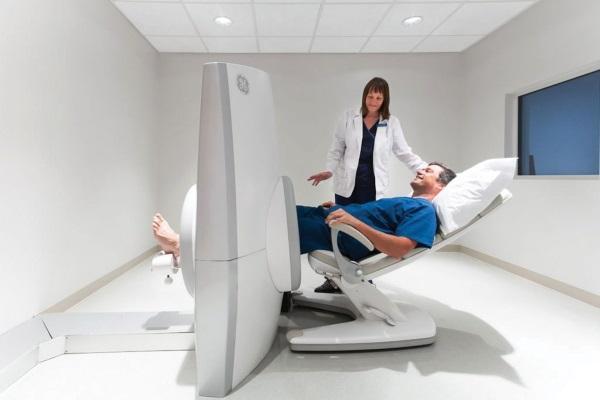 Боль в коленях при приседании, ходьбе, хруст. Причины и лечение народными средствами, мази, препараты