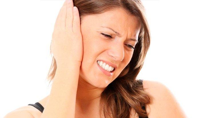 Антибиотик при боли в ухе: какие пьют, если болит в горле у взрослого?