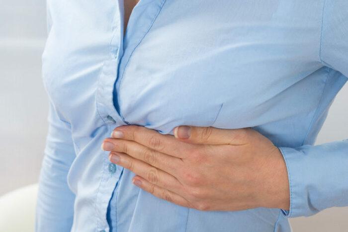 Колющая боль в левом подреберье при вдохе. Причины, заболевания, симптомы, к какому врачу обратиться