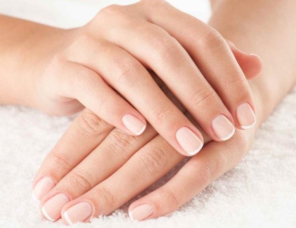 Отслоение ногтевой пластины на руках. Лечение, признаки болезней, причины
