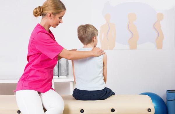 Упражнения от сколиоза для детей, 1-2 степени, по Бубновскому. Методики, как выполнять в домашних условиях