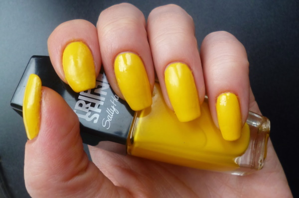 Желтые ногти на руках. Причины, фото, лечение в домашних условиях. Народные средства, мази