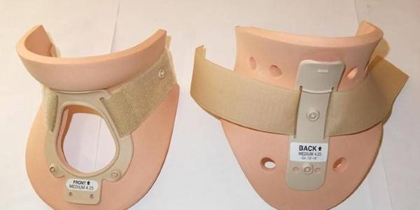 Воротник Шанца для новорожденных при кривошее, остеохондрозе, грыже. Что это такое, как правильно носить, подобрать