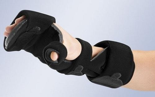 Фиксирующая повязка на запястье. Как наложить бандаж, ортез